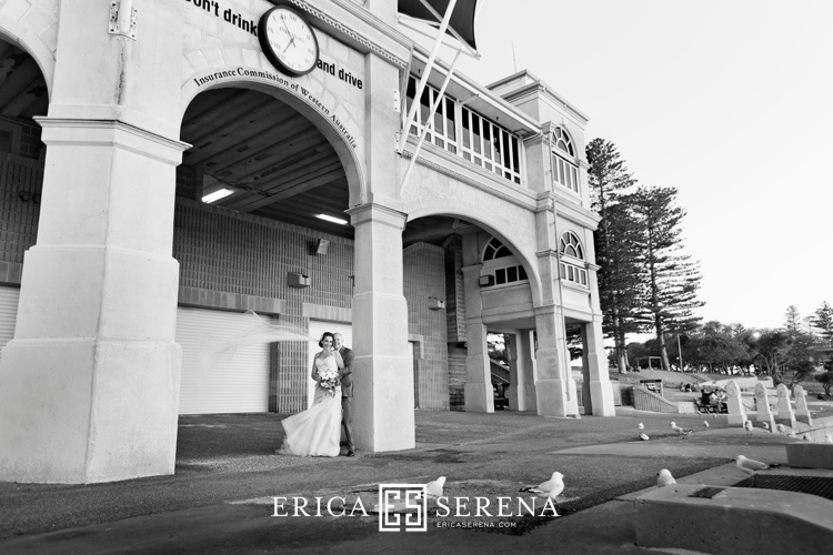 perth wedding photographer, wedding photography perth, indiana's cottesloe beach, wedding photos beach