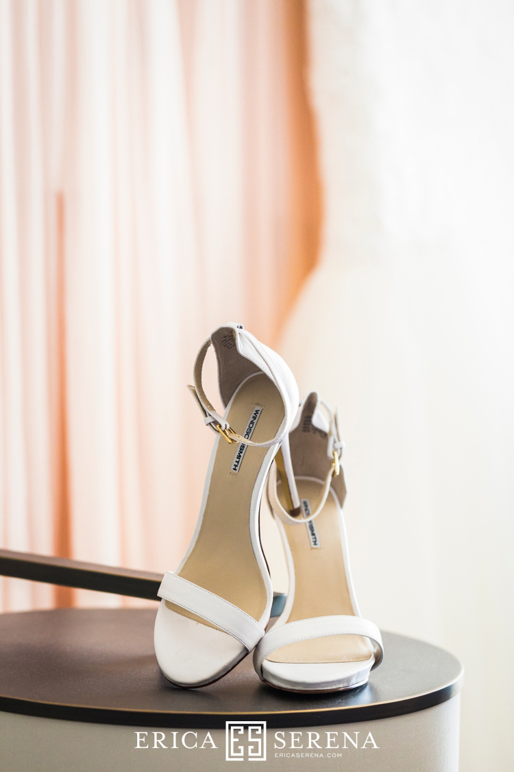 Perth wedding photographer. wedding photography perth. wedding at matilda bay. wedding at crown. wedding shoes